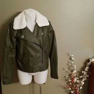 F21 NWT faux leather cropped  jacket